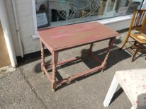 Hall table in Olive and Red