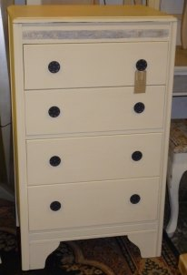 4 drawer chest with make-up section